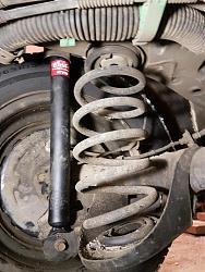 Замена задних амортизатор на Toyota Corolla Fielder 162-20201209_170936.jpg